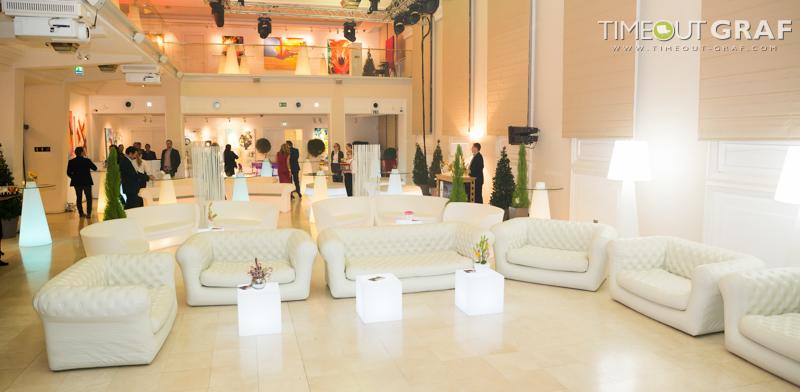 Raumteiler für die transparente Lounge - Raumteiler