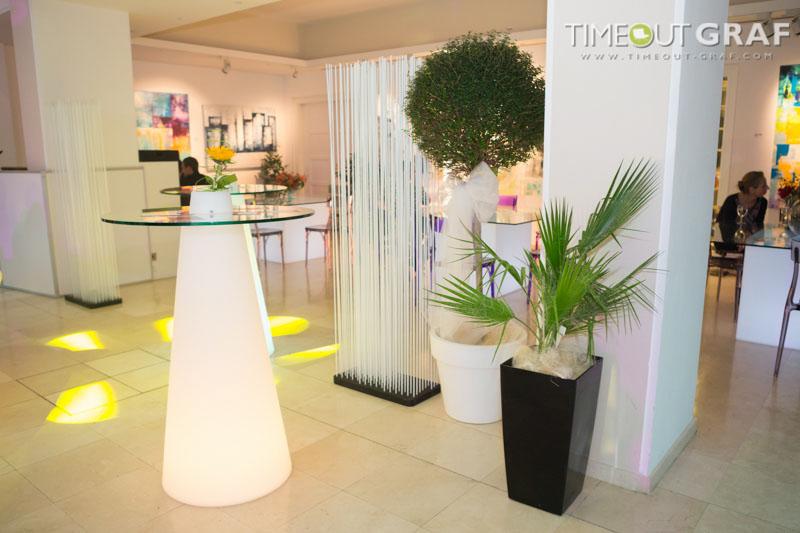 Sichtschutz Ideen mit Trennwand Raumteiler für die moderne Lounge - Raumteiler