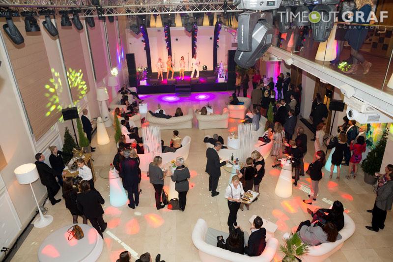 Veranstaltung in Wien mit Designraumteiler und Möbel - Raumteiler