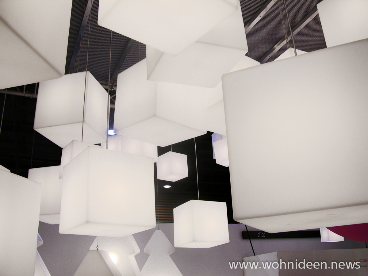 beleuchteter hängewürfel slide cubo bei graf news led rgbw steuerbar - Loungemöbel Beleuchtet