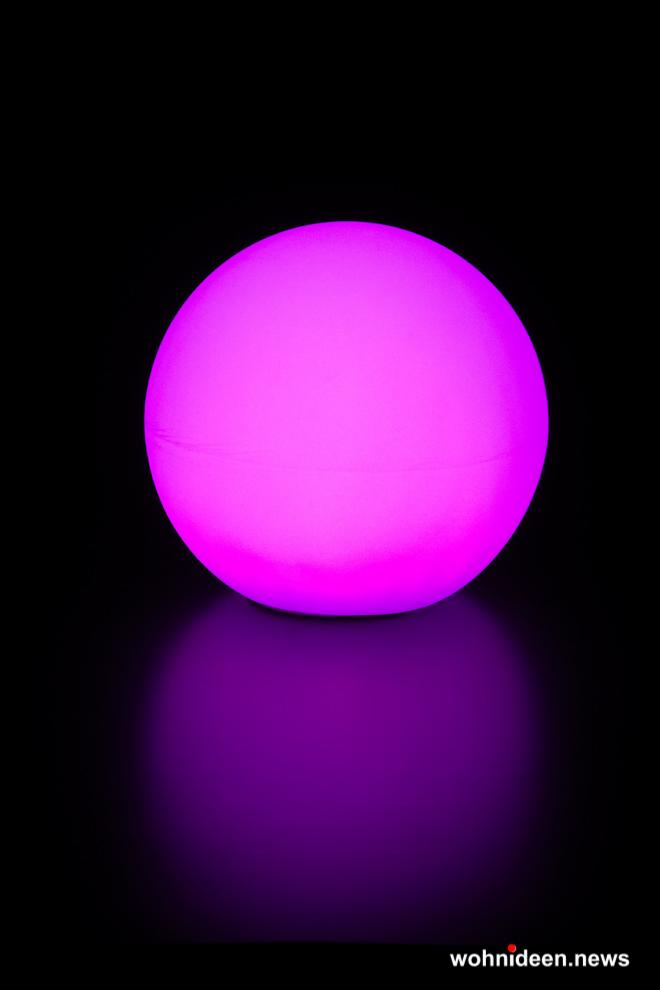 Pinke Leuchtkugeln Slide Garten - Kugelleuchte & Kugellampe