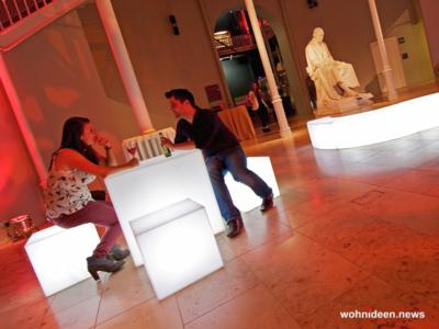 Würfelleuchte Cube - Sitzwürfel beleuchtet Hocker Leuchtwürfel