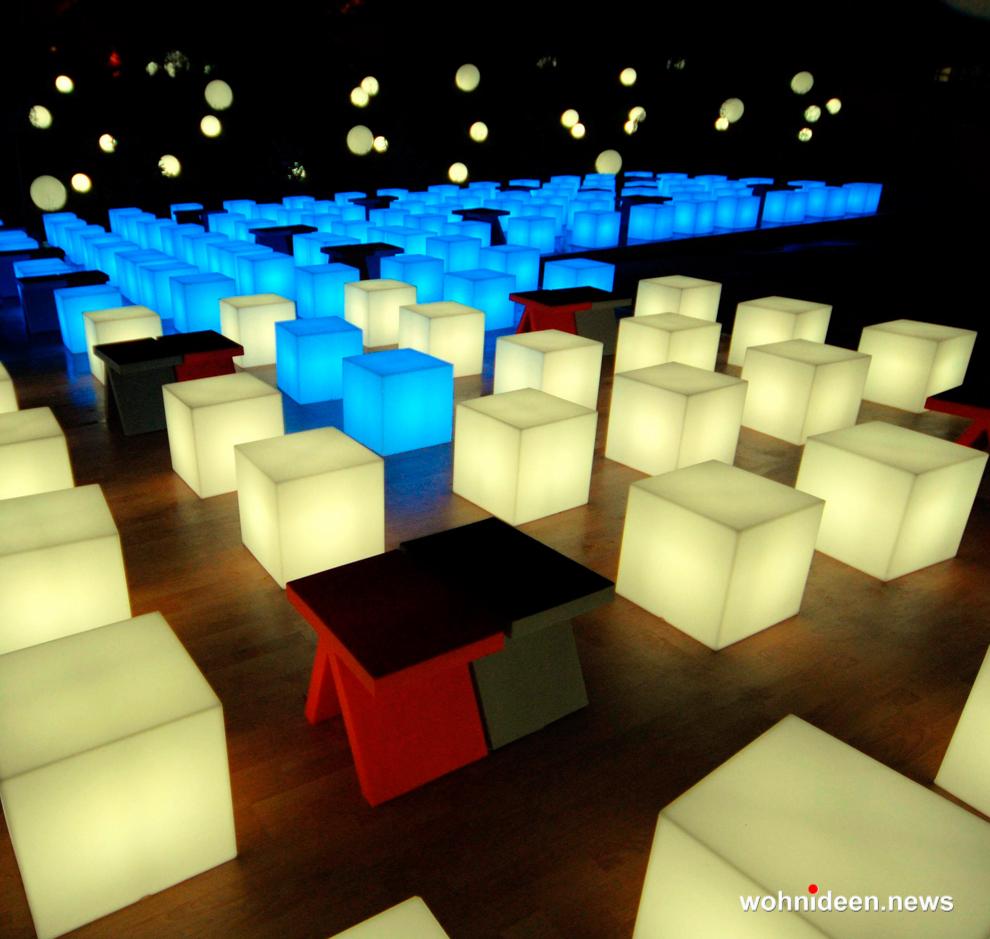 Würfelleuchte - Sitzwürfel beleuchtet Hocker Leuchtwürfel