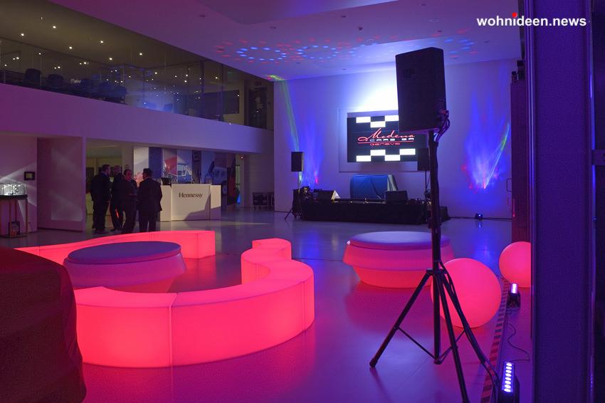 leuchtwürfel RGBW Möbel mit Farbwechsel - LED Möbel + Beleuchtete Möbel + Leuchtmöbel Shop