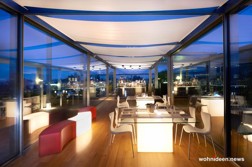 lounge möbel led sitzwürfel kunststoff outdoor beleuchtet Slide table square 1 - CUBO Leuchtwürfel | Sitzwürfel beleuchtet