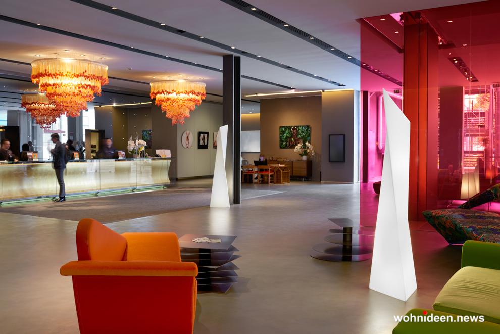 loungemöbel beleuchtet floor lamp manhattan 2 - Loungemöbel Outdoor Wetterfest