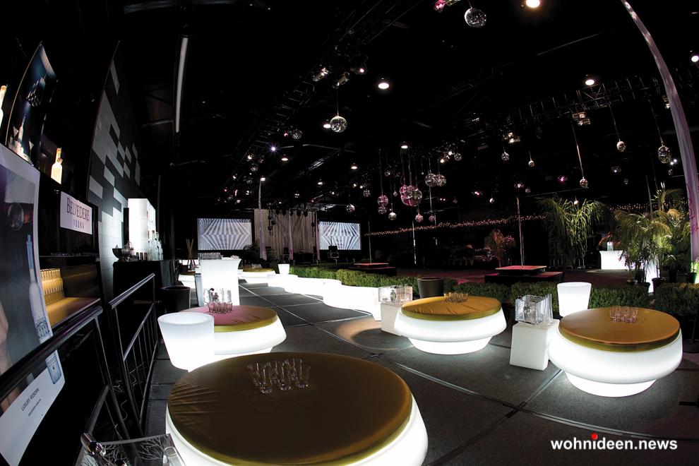 loungemöbel beleuchtet gio pouf 6 - Hochwertige beleuchtete Outdoor Loungemöbel