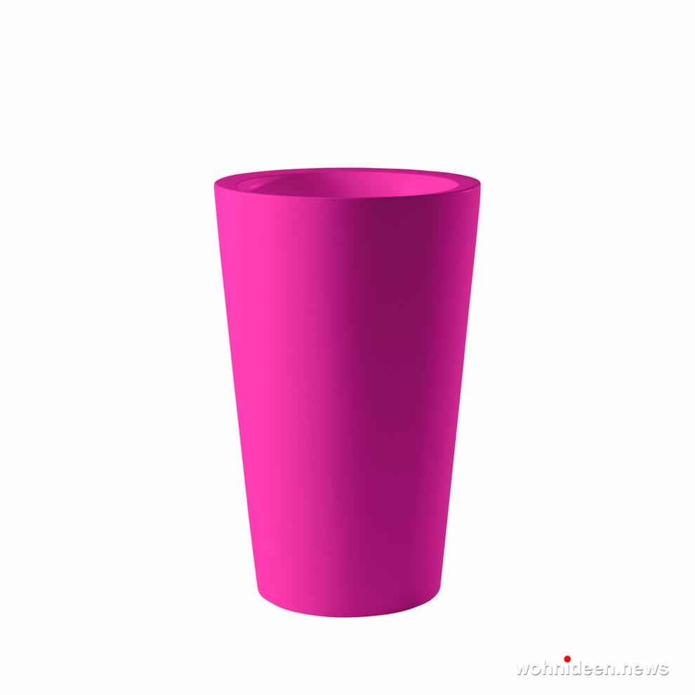 pinke schlanke vase für garten - Ausgefallene Blumentöpfe und Vasen für draußen