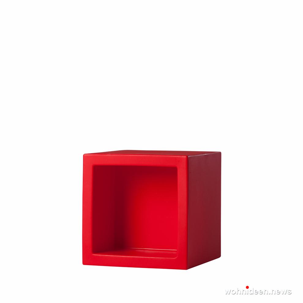 roter led sitzwürfel kunststoff outdoor beleuchtet Slide open cube flame red prosp - CUBO Leuchtwürfel | Sitzwürfel beleuchtet