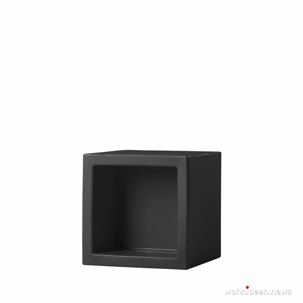 schwazer led sitzwürfel kunststoff outdoor beleuchtet Slide open cube jet black prosp - CUBO Leuchtwürfel | Sitzwürfel beleuchtet
