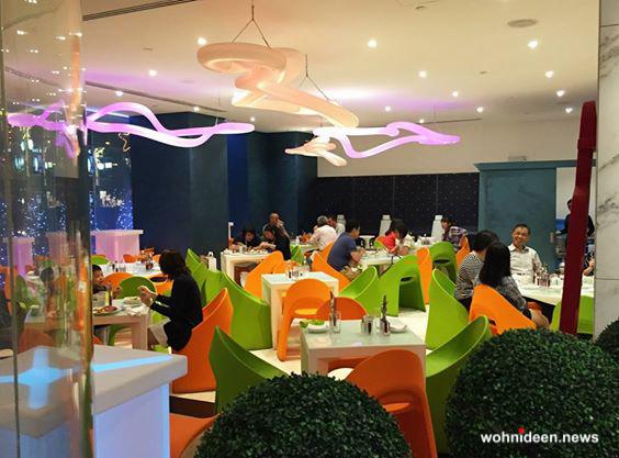 sitzwürfel beleuchtet Slide SLIDE slide galleria contract ristorante a.t.o.s. asian tapas singapore 6 - Sitzwürfel beleuchtet Hocker Leuchtwürfel