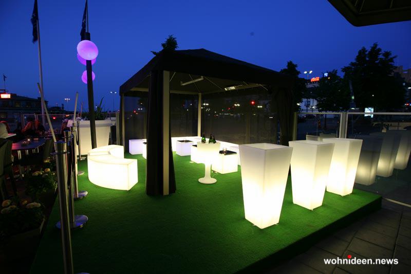 sitzwürfel draußen - Sitzwürfel beleuchtet Hocker Leuchtwürfel