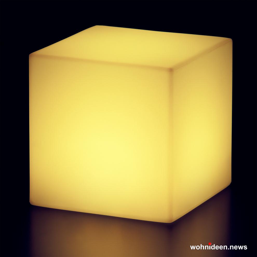 sitzwürfel gelb beleuchtet Slide slide cubo led 1 - Sitzwürfel beleuchtet Hocker Leuchtwürfel