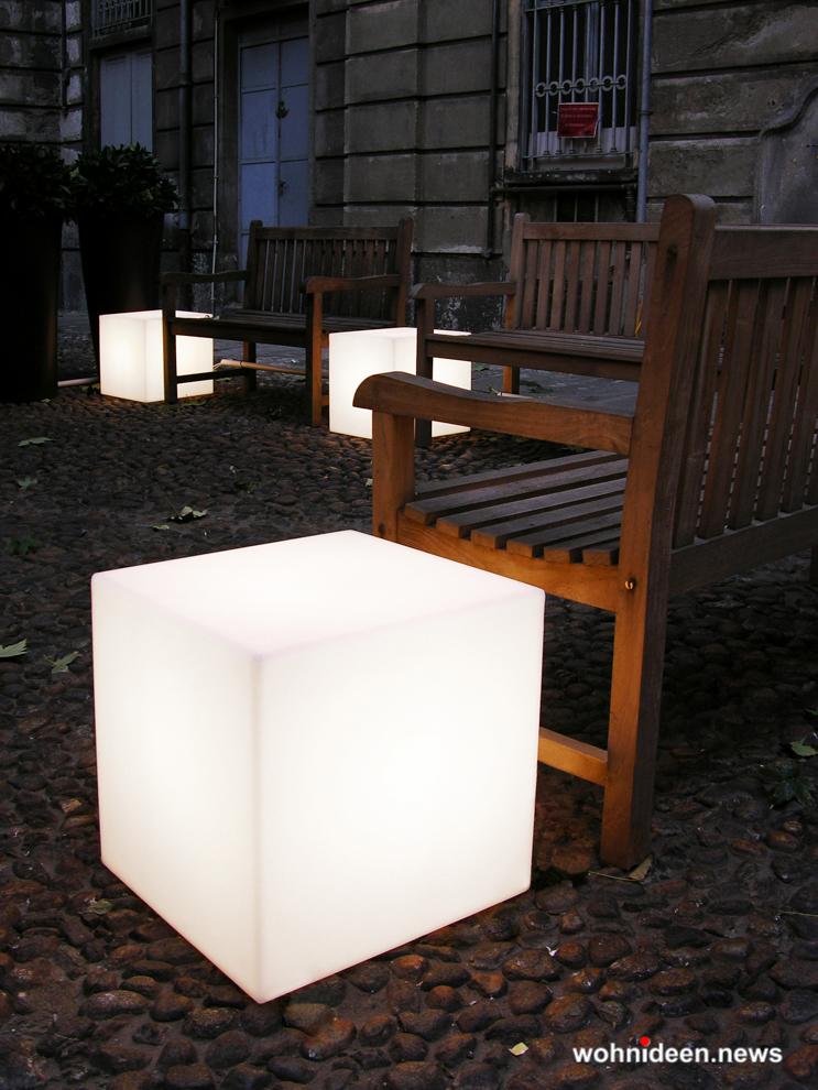 sitzwürfel kunststoff outdoor beleuchtet Slide floor lamp cubo 1 - Sitzwürfel beleuchtet Hocker Leuchtwürfel