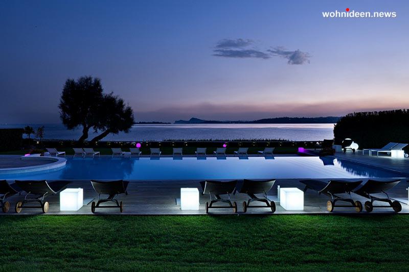 slide contract hotel 2012 hotel bellariva gardone riviera cubo out leuchtmöbel - Leuchtwürfel Sitzwürfel Hocker beleuchtet