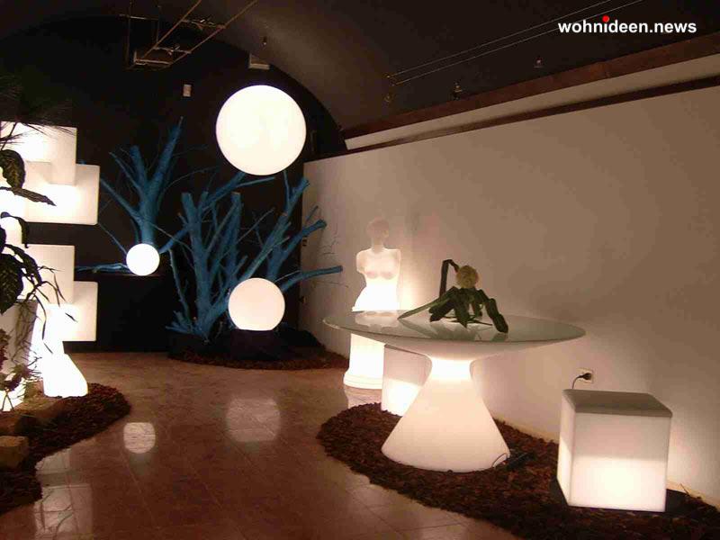 slide contract negozi 2005 negozio trento easy chair globo hanging ed buddha 1 leuchtmöbel - Leuchtwürfel Sitzwürfel Hocker beleuchtet