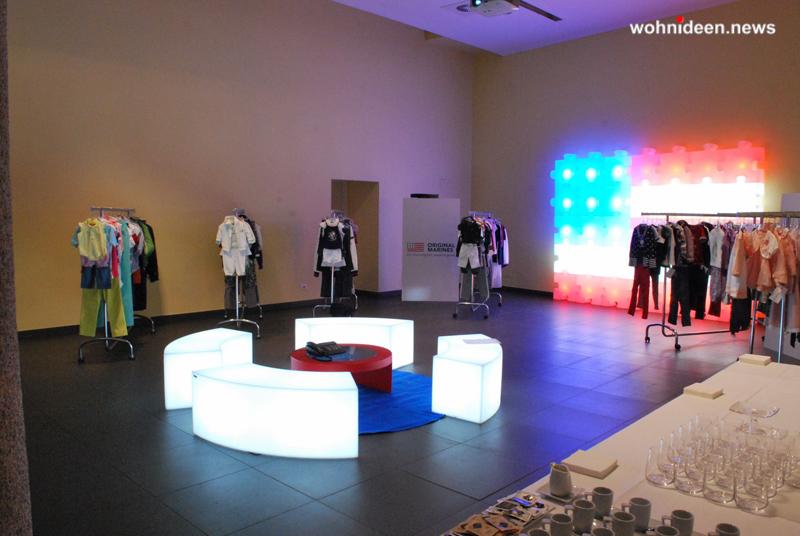 slide contract negozi showroom 2009 original marines milano snake tao puzzle 1 leuchtmöbel - Leuchtwürfel Sitzwürfel Hocker beleuchtet