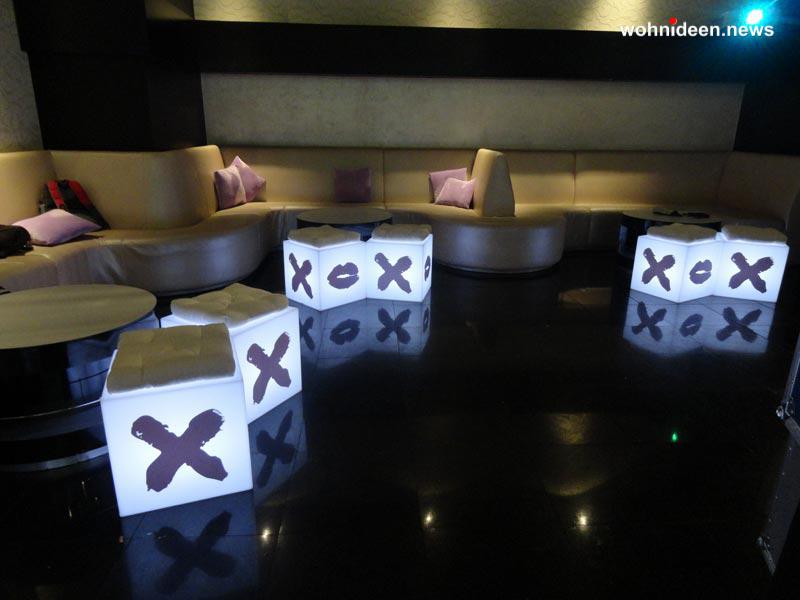 slide fairs events 2012 mikyajy party dubai cubo 2 leuchtmöbel - Leuchtwürfel Sitzwürfel Hocker beleuchtet