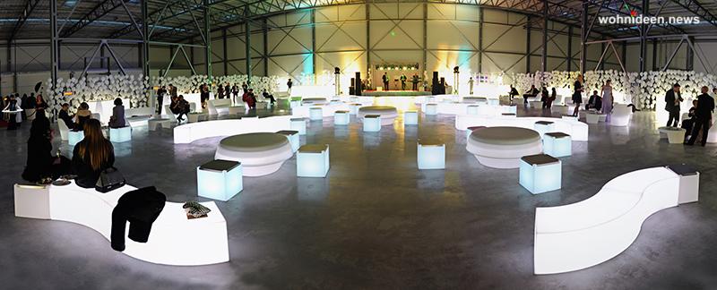 slide galleria eventi best events catering NewopeningComplex Kiev snake gio pouf 2 leuchtmöbel - Leuchtwürfel Sitzwürfel Hocker beleuchtet