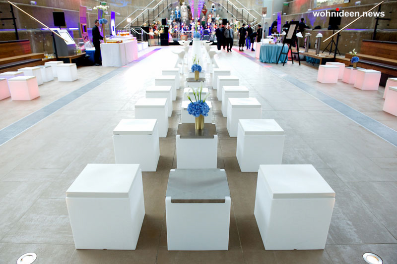 slide gallery events cutty sark cubo kubo london londra 2013 leuchtmöbel - Leuchtwürfel Sitzwürfel Hocker beleuchtet