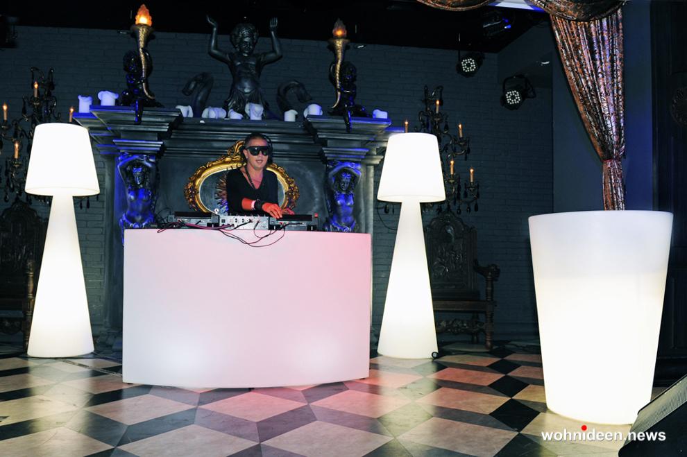 stehleuchte bar und Cube LED Sitzwürfel - Sitzwürfel beleuchtet Hocker Leuchtwürfel