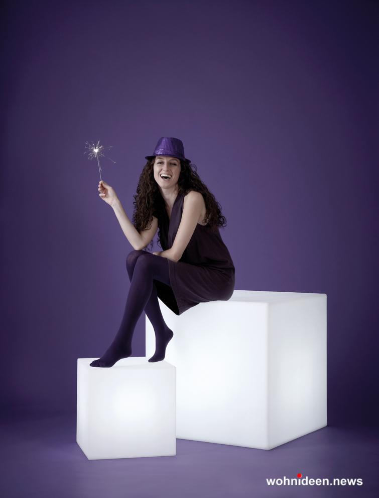 wasserfeste led sitzwürfel kunststoff outdoor beleuchtet - Sitzwürfel beleuchtet Hocker Leuchtwürfel