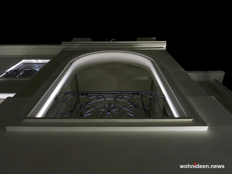 outdoor fassadenbeleuchtung rgb led geb udebeleuchtung wohnideen einrichtungsideen. Black Bedroom Furniture Sets. Home Design Ideas