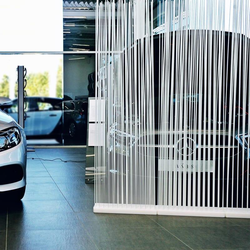 Autohaus Einrichtung Sichtschutz Raumteiler Paravent in Weiss - Mobile Raumteiler Ideen
