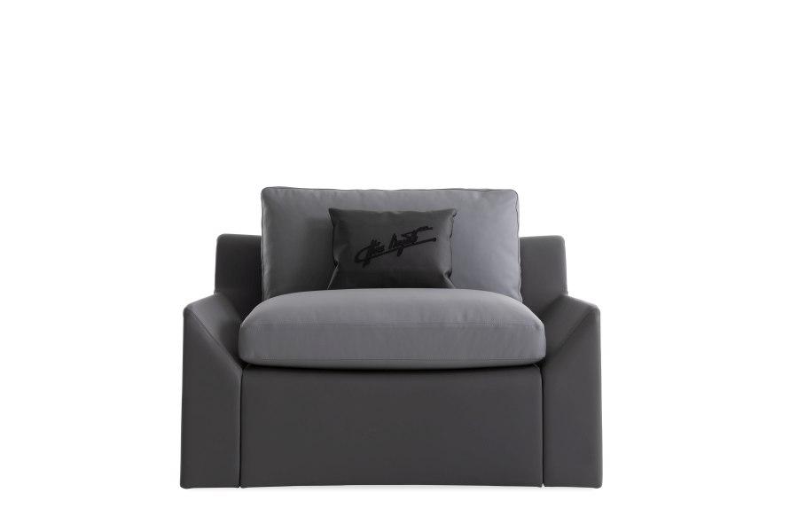 19 Bugatti Home Chiron armchair - BUGATTI HOME | SALONE DEL MOBILE 2019