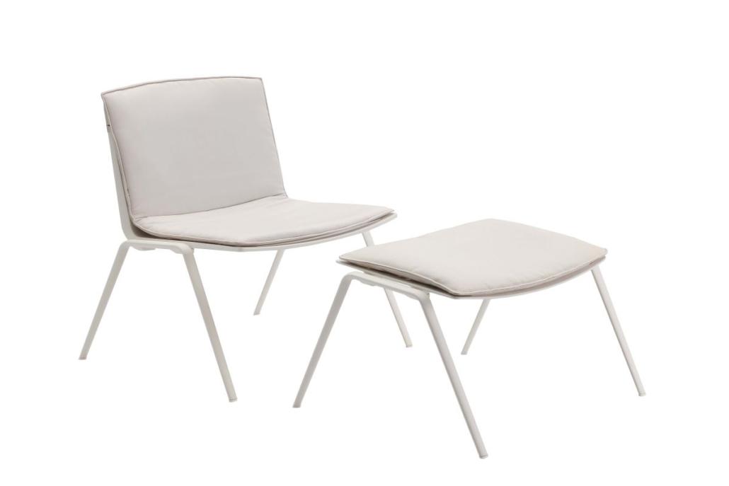 31 Fast Zebra lounge chair 4 1030x687 - Fast richtet die Terrasse und die Gärten des historischen Relais San Viglio in Bergamo ein