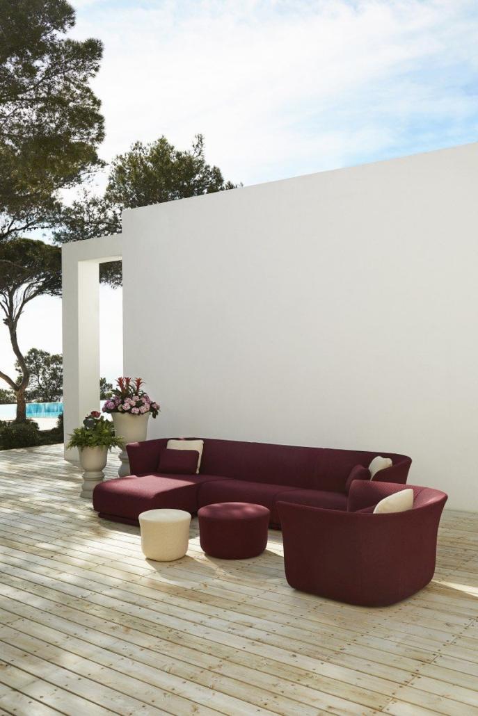 61 Vondom Suave Collection Sofa by Marcel Wanders 10 687x1030 - Suave macht Außenbereiche zu einzigartigen Wohlfühloasen