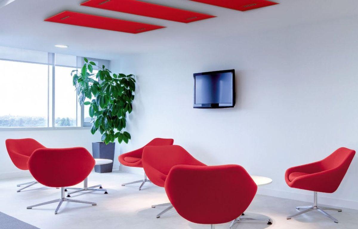 Büro Schalldämmung Arbeitsplatz - Schallschutz für ungestörtes Arbeiten im Büro