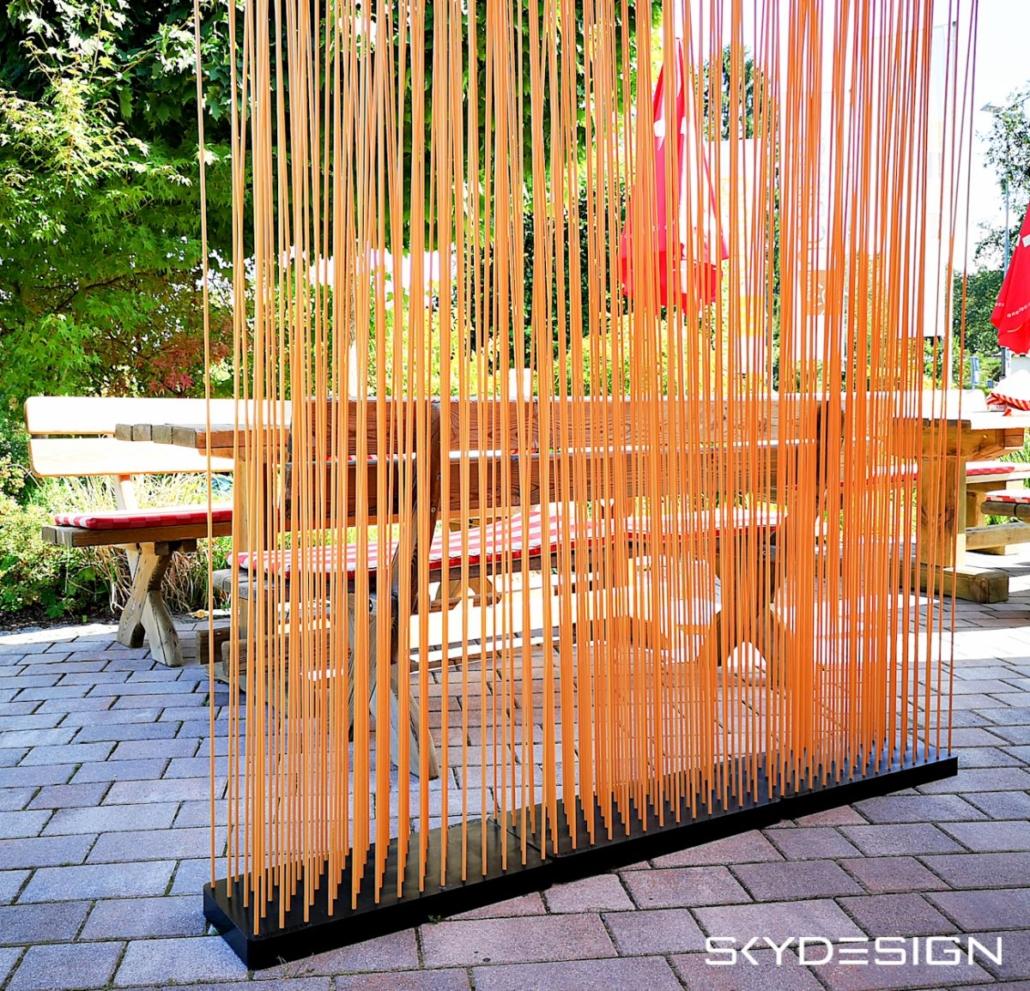 Bambus Sichtschutz mit schwarzer Basis