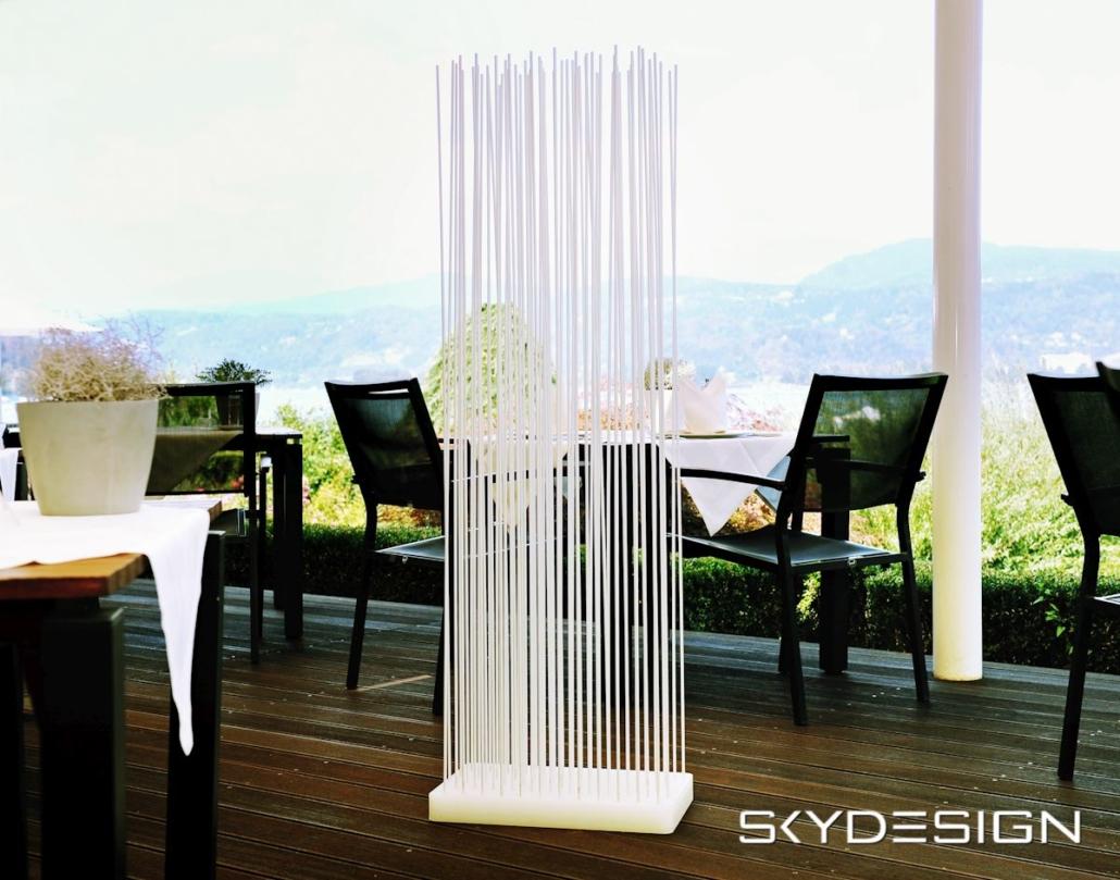 FK Sticks Sichtschutzzaun Balkon 1030x809 - Balkongestaltung: Skydesign Sichtschutzzaun mit modernem Flair