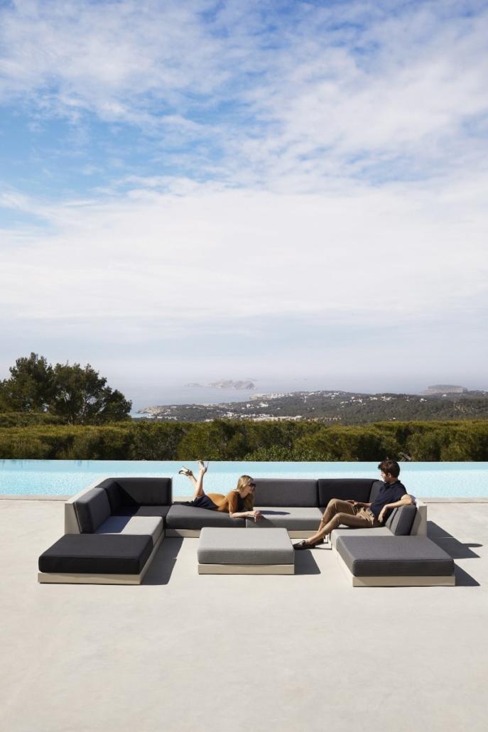vondom pixel designer outdoor furniture ramon esteve 3 687x1030 - Outdoor Möbel VONDOM PIXEL-Kollektion