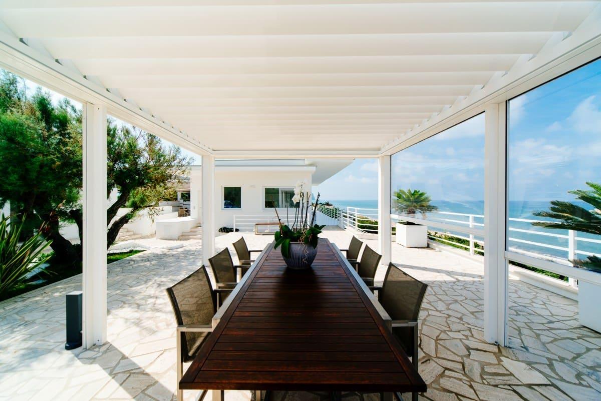 Individuelle Terrassendächer Inklusive Reinigungssystem - Designer Pergola mit verstellbaren Lamellen