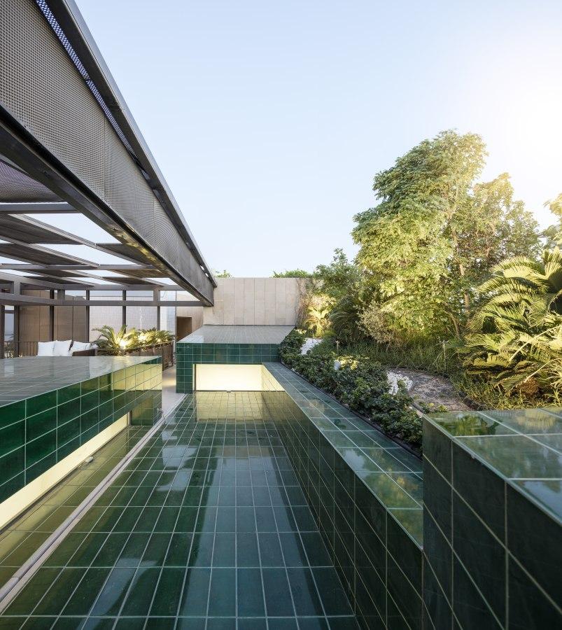 Ritmonio Three Gardens House AGi Architects 10 - Ritmonio Diametro35 vergoldene Oberfläche für das Three Gardens House (Kuwait)