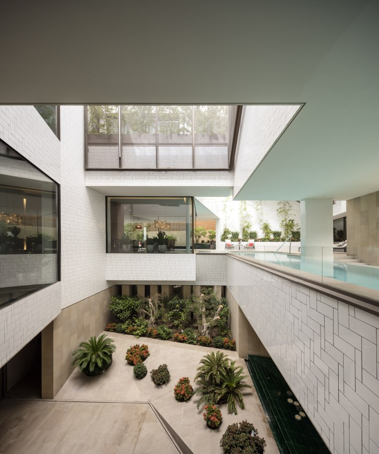 Ritmonio Three Gardens House AGi Architects 6 - Ritmonio Diametro35 vergoldene Oberfläche für das Three Gardens House (Kuwait)