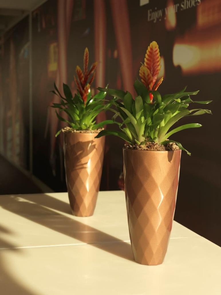 vase kaufen Großhandel VONDOM VASES Vasen Blumenvasen Blumengefaesse 772x1030 - Vasen Shop Design Pflanzgefäße | Blumentöpfe mit Licht