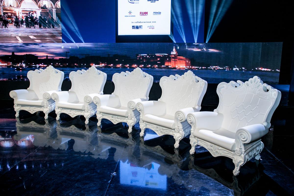 Graf News Barock Sessel Kunststoff - Barock Stuhl aus Kunststoff in verschieden Farben | Design of Love