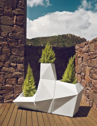Bodenvasen Terrasse Beleuchtete Vasen 112 Skydesign 400x516 - Bodenvase Groß
