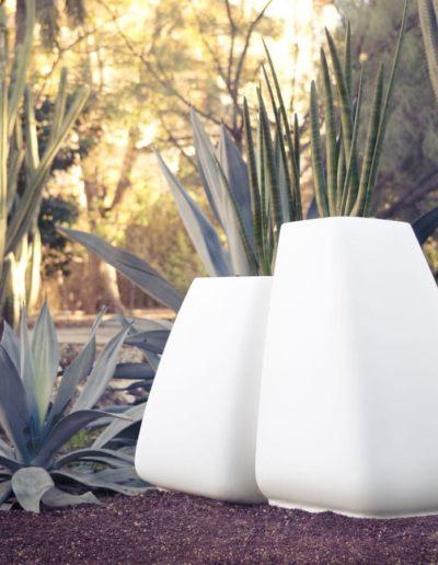 Bodenvasen Terrasse Beleuchtete Vasen 123 Skydesign 400x516 - Bodenvase Groß