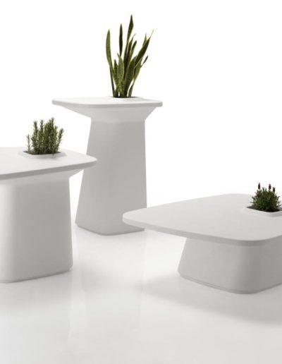 Bodenvasen Terrasse Beleuchtete Vasen 132 Skydesign 400x516 - Bodenvase Groß