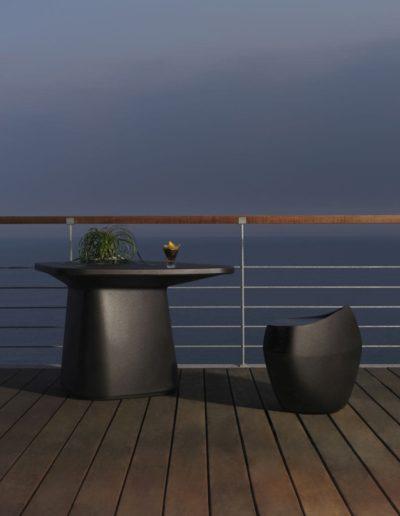 Bodenvasen Terrasse Beleuchtete Vasen 137 Skydesign 400x516 - Bodenvase Groß
