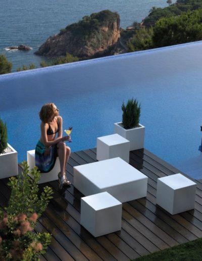 Bodenvasen Terrasse Beleuchtete Vasen 144 Skydesign 400x516 - Bodenvase Groß