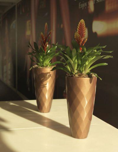 Bodenvasen Terrasse Beleuchtete Vasen 159 Skydesign 400x516 - Bodenvase Groß
