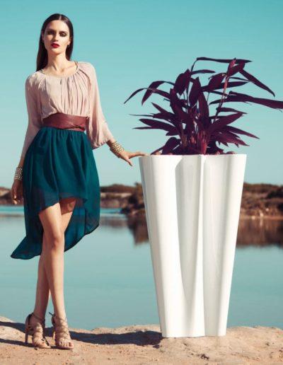 Bodenvasen Terrasse Beleuchtete Vasen 85 Skydesign 400x516 - Bodenvase Groß