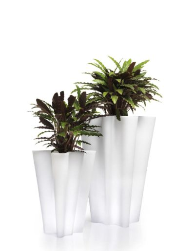 Bodenvasen Terrasse Beleuchtete Vasen 87 Skydesign 400x516 - Bodenvase Groß