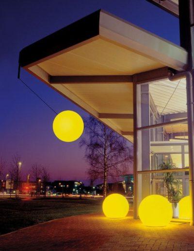 Leuchtkugeln mit Farbwechsell Gelb 400x516 - Kugelleuchten Garten