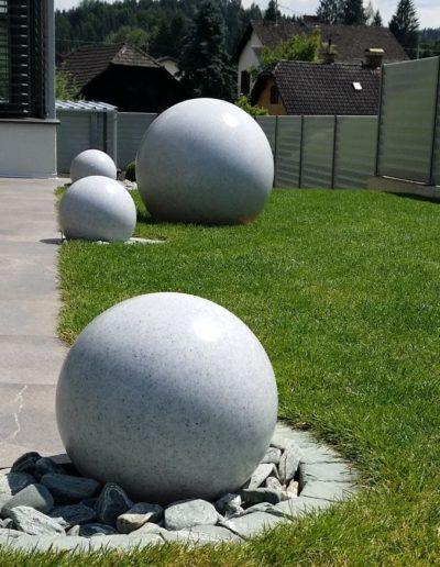 ausgefallene terrassenbeleuchtung Kugeln Granit 400x516 - Kugelleuchten Garten